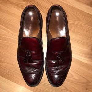 Allen Edmond Wingtip burgandy leather size 9.5